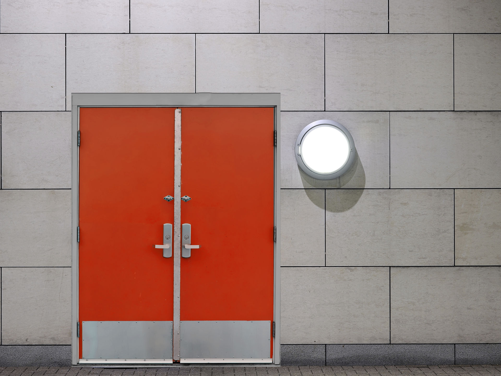 Resultado de imagen para puertas de seguridad industrial